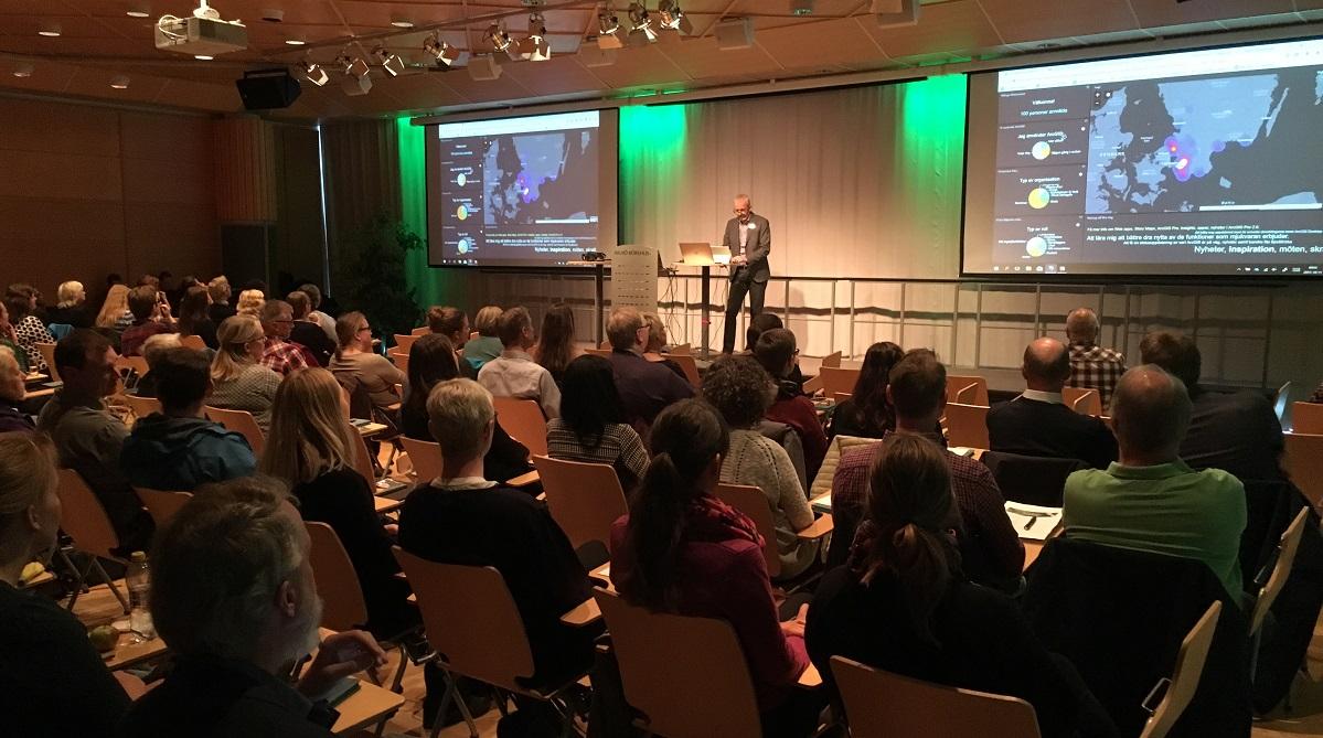 Åhörare och talare på ArcGIS Användardagar 2018