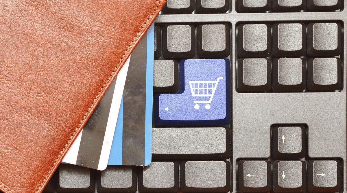 Tangentbord med kundvagn för online-handel
